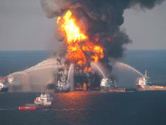 BP's Deepwater Horizon Burning